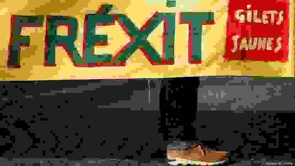 Επιμένουν τα Κίτρινα Γιλέκα | Πολιτική | DW
