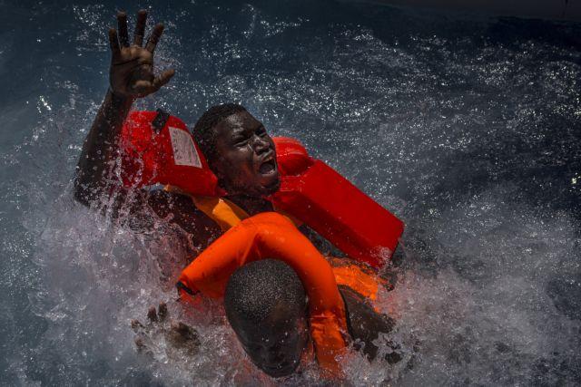 Independent: Υψηλά πρόστιμα από Σαλβίνι σε όσους διασώζουν πρόσφυγες